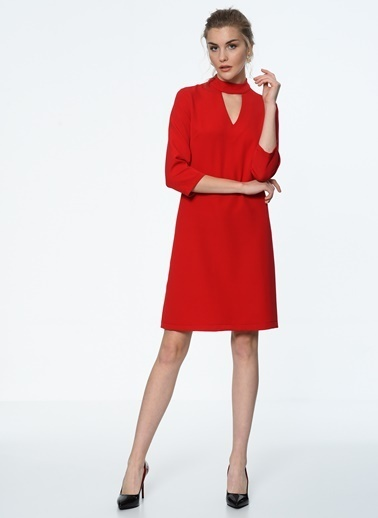İroni Choker Detaylı Mini Elbise Kırmızı